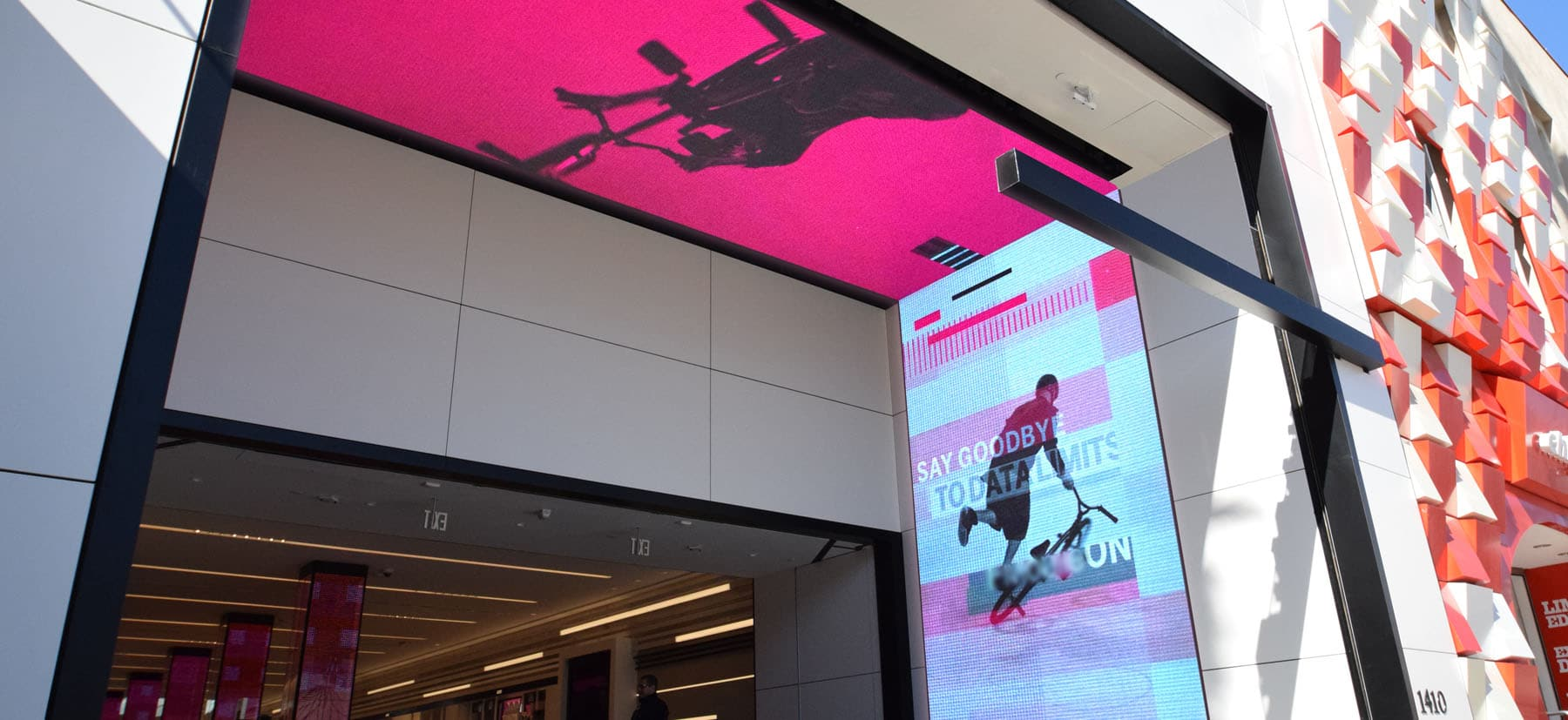 Pro Audio, Video Mounts & Rigging | T-Mobile Custom Video Wall Tunnel